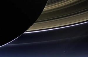 saturn-rings-space